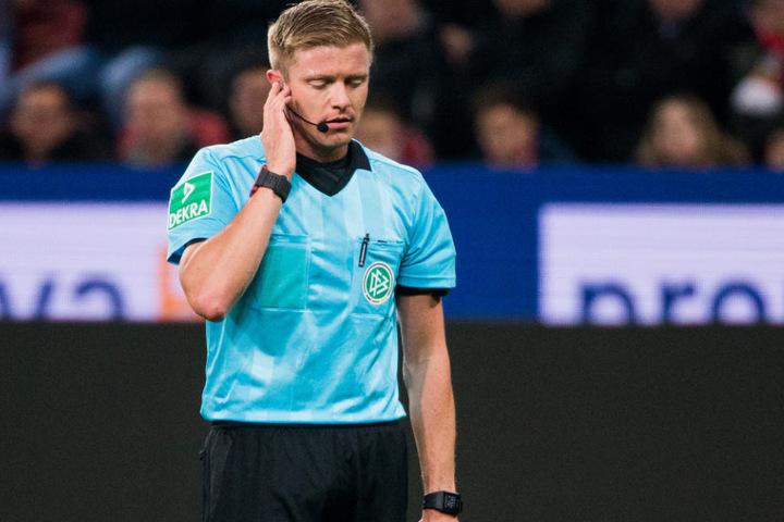 Ihm entglitt das Spiel: Schiri Robert Schröder.