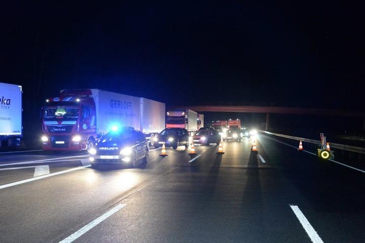 Der Verkehr auf der Autobahn musste umgeleitet werden.