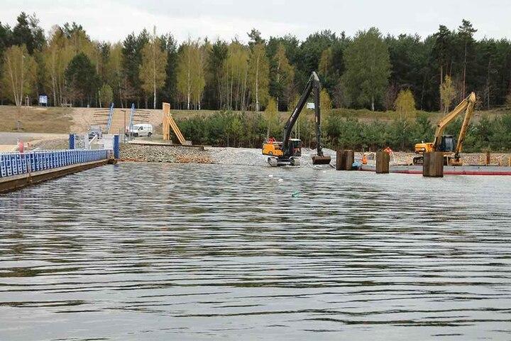Noch sieht es nicht so aus, aber offiziell hat die Wassersportsaison am Bärwalder See bereits begonnen.