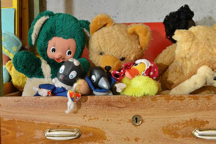 Diesen süßen Plüschtiere haben die Kinder in der DDR ihre Geheimnisse anvertraut.