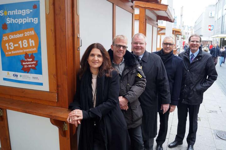 Janet Kersten, Thomas Renken, Johannes Göke, Eckhard Schroeder und JörgBeyer (von links) freuen sich auf den Herbstmarkt.
