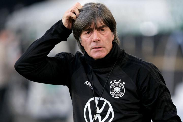 Bundestrainer Joachim Löw verpasst die letzten beiden EM-Qualifikationsspiele. (Archivbild)