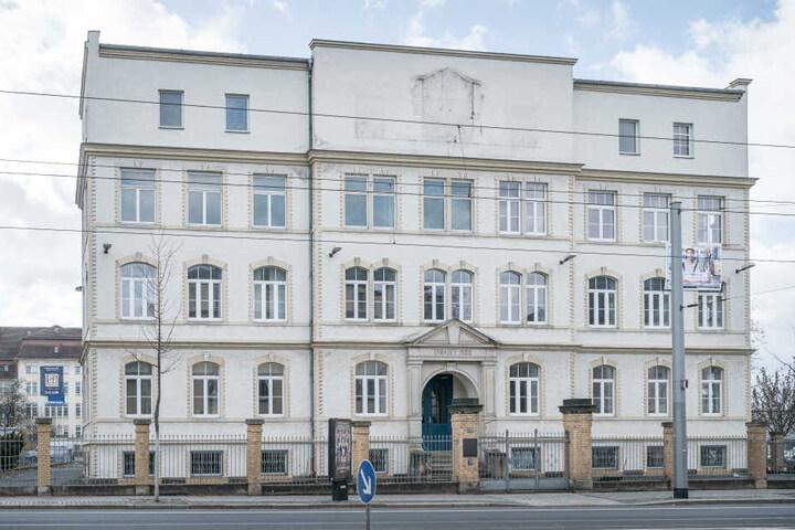 Ehemaliges Gebäude der Dresdner Zigarettenfabrik. In diesem befand sich eine Aussenstelle des Konzentrationslagers Flossenburg.