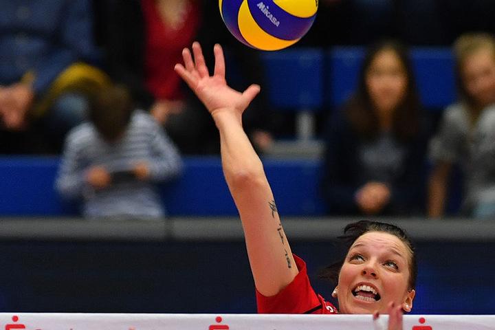 Katharina Schwabe verwandelte am Ende den entscheidenden Matchball für den DSC.