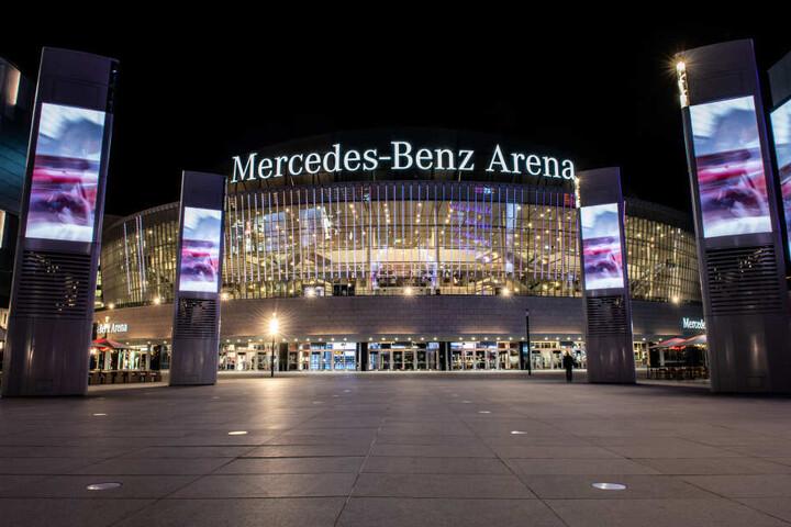 Sehr viel größer geht es in Berlin gar nicht: Die Mercedes-Benz Arena bietet Platz für 17.000 Besucher!