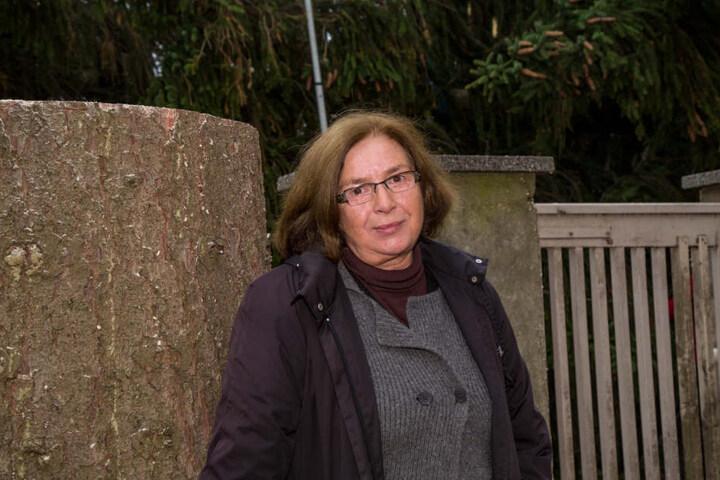 Sie hat den Baum gesponsort, Birgit Bohlmann.