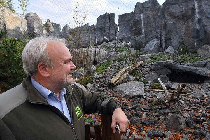 """Der 55-Jährige ist verantwortlich für das Konzept """"Zoo der Zukunft"""", hier zu sehen vor der Baustelle der Himalaya-Themenwelt, die am 1. August 2017 eröffnet wurde."""