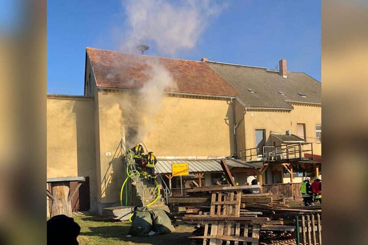 Die Feuerwehr Hainichen konnte durch den schnellen Einsatz Schlimmeres verhindern.