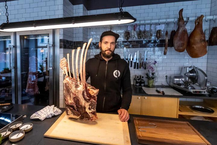 Nur vom Feinsten: In Eric Heims (33) Delikatessengeschäft auf der Hermannstraße 8 kommen nicht nur Fleischfresser auf ihre Kosten.