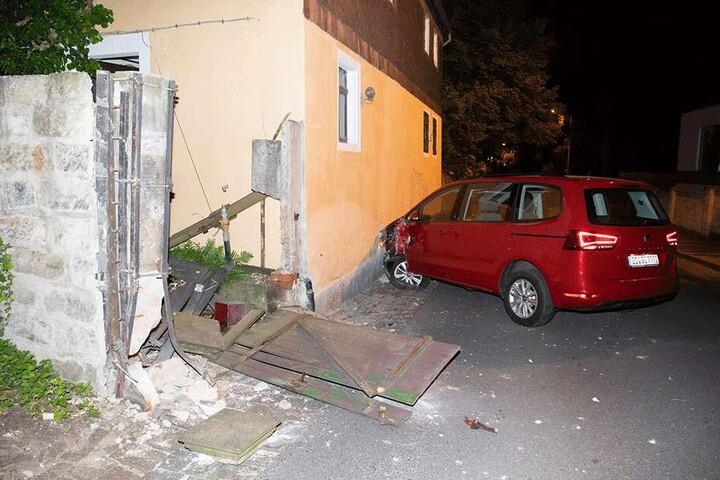 Der Fahrer und die Anwohner kamen mit dem Schrecken davon.
