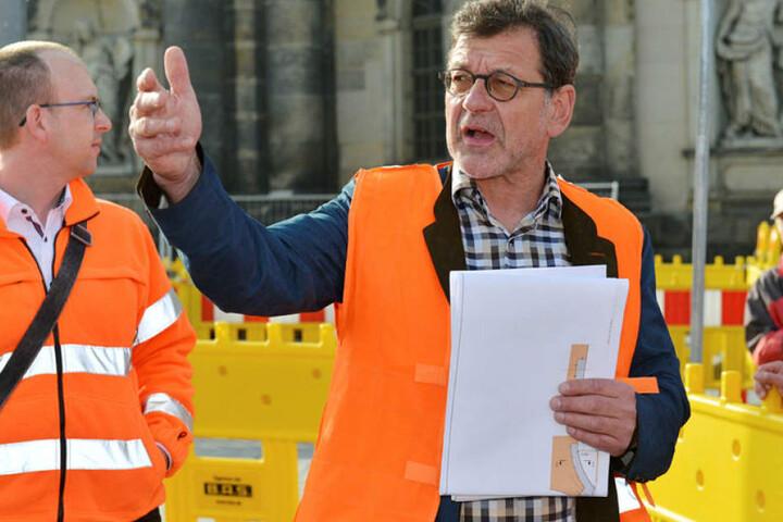 Er hat die Faxen dicke: Reinhard Koettnitz (62), Chef im Straßen- und Tiefbauamt der Stadt, lässt jetzt eine einspurige Marienbrücke prüfen.