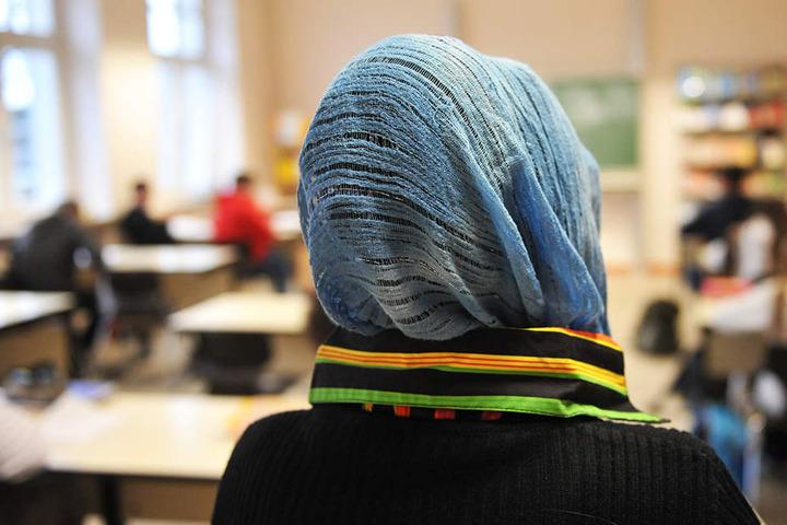 Islamverbände verklagen NRW, um mehr Einfluss zu bekommen.