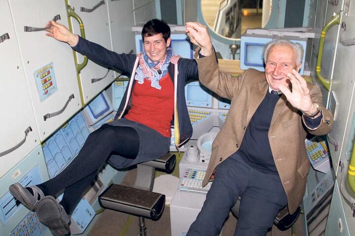 Sigmund Jähn (79, r.) weiß, wie sich ein Flug ins All anfühlt. Thorid Zierold (38) wollte es gern noch erleben.