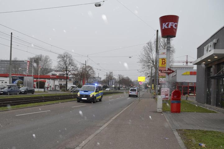 Die Polizei rückte mit gleich mehreren Streifenwagen an.