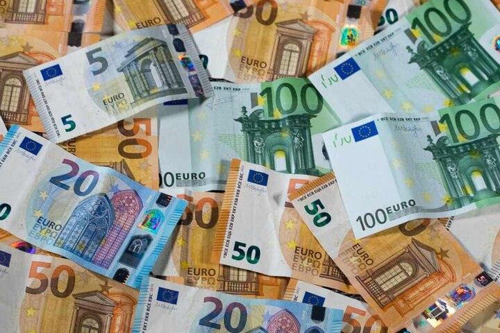 Über 1,7 Millionen Euro kann sich ein Mann aus Unna freuen. (Symbolbild)