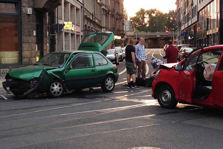 Die Polizei ermittelt noch zur Unfallursache.