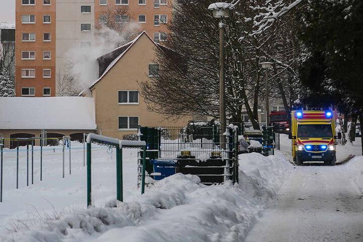 Vier Bewohner des Hauses mussten ins Krankenhaus.