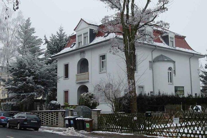 Diese Villa hat ein dunkles Geheimnis. Ihre Besitzerin wurde offenbar ermordet.