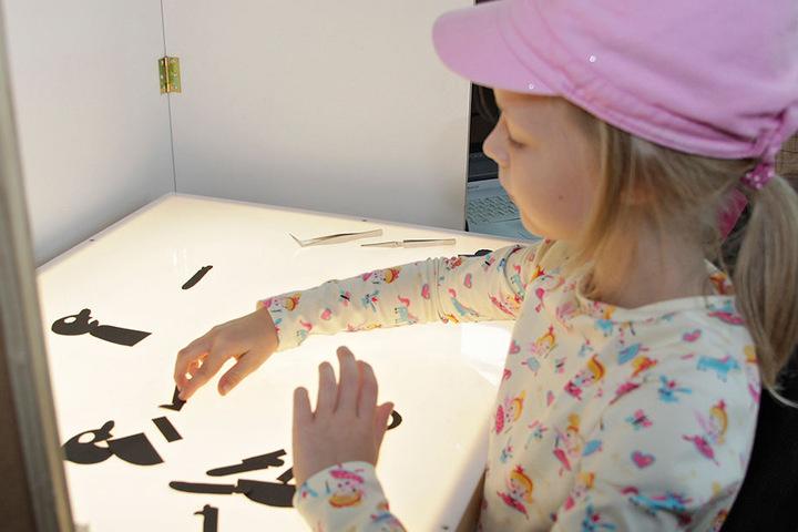 Im Kinderfilmhaus lernen schon die Jüngsten, wie am Trickpult ein Film entsteht.