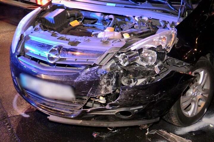Bei dem Unfall wurde der Opel Corsa einer 30-jährigen stark beschädigt.