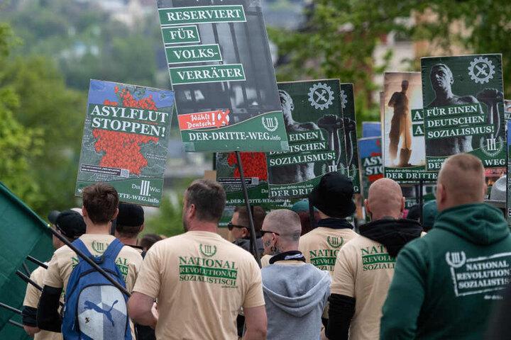 Der Bundesheimatminister hat bei seinem Auftritt die rechtsextreme Demo am 1. Mai in Plauen verurteilt.
