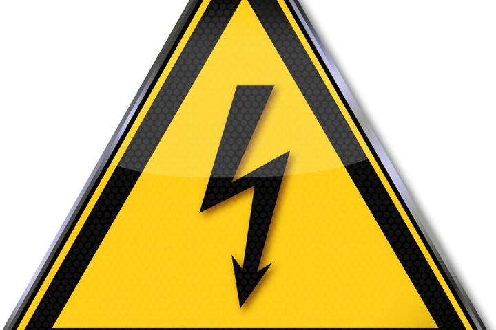 Die Bundespolizei warnt: Sobald man näher als 1,50 Meter an die Oberleitung kommt, kann es einen Stromschlag geben.