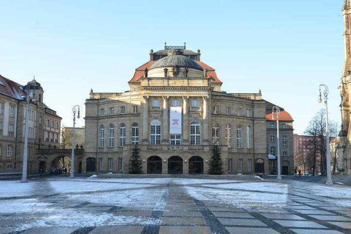 Das Chemnitzer Opernhaus lädt heute zum Jubiläums-Festkonzert mit der Robert-Schumann-Philharmonie und vielen beliebten Gesangssolisten ein.