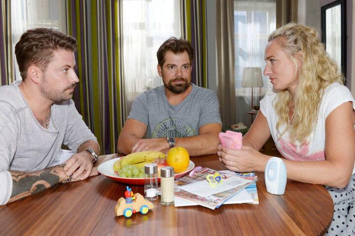 Leon erzählt John und Maren von seinen Plänen.