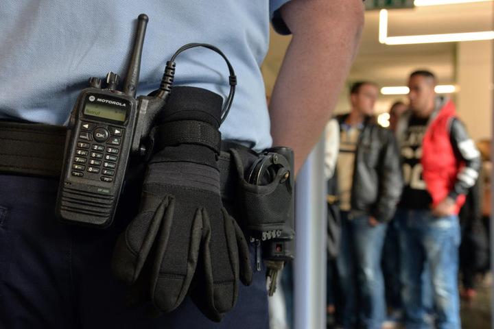 Seit einer Messer-Attacke am Dresdner Landgericht im Jahr 2009 wird an sächsischen Gerichten am Eingang kontrolliert.