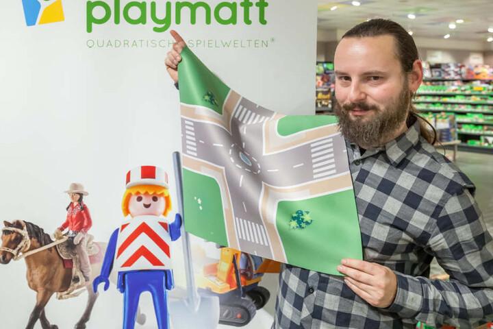 Ronny Grauper (32) kam beim Spielen mit seiner Tochter auf die Geschäftsidee  der Spielmatten.