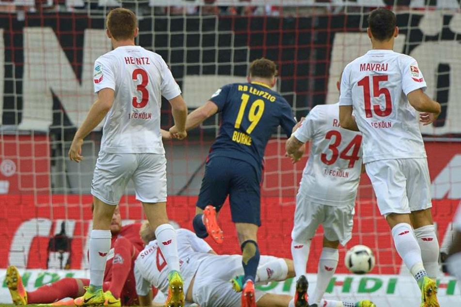 Burke trifft zum 1:o für Leipzig.