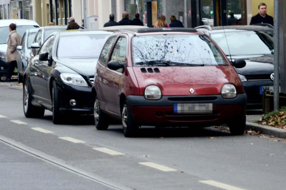 Parken in der zweiten Reihe kann einigen Ärger provozieren und künftig deutlich teuerer werden.