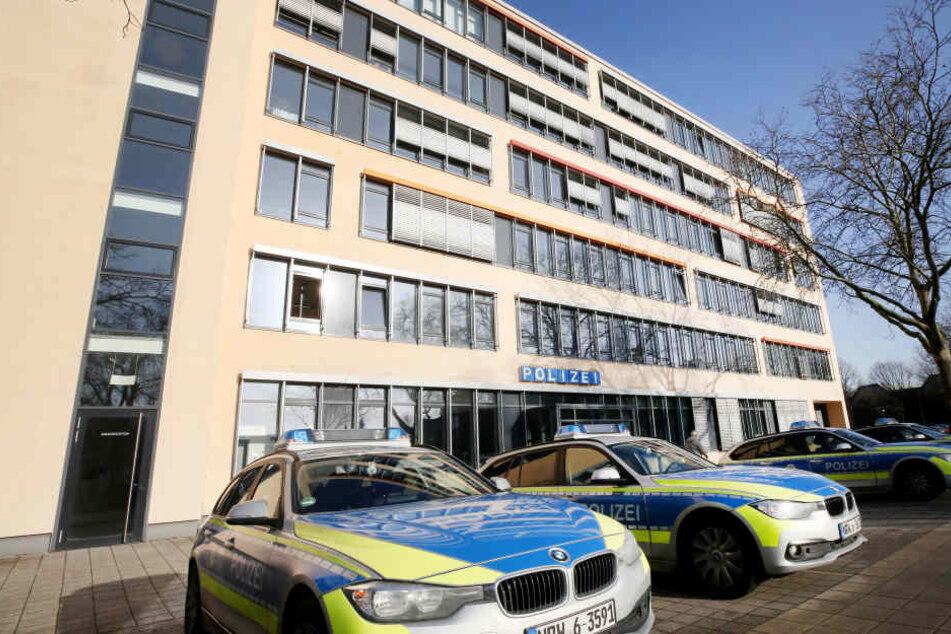 Die Polizeiwache Süd in Gelsenkirchen. Hier hatte sich einer der Täter gestellt.