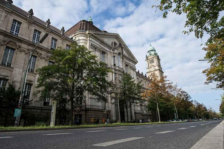 Wegen Vergewaltigung einer Minderjährigen stand ein 39-Jähriger vor dem Berliner Landgericht.
