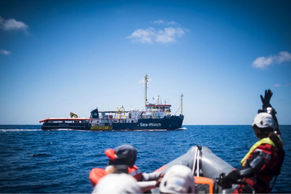 """Das deutsche Flüchtlings-Rettungsschiff """"Sea-Watch 3"""" ist nach einer fast sechs Monate langen Beschlagnahmung wieder im Einsatz auf dem Mittelmeer."""