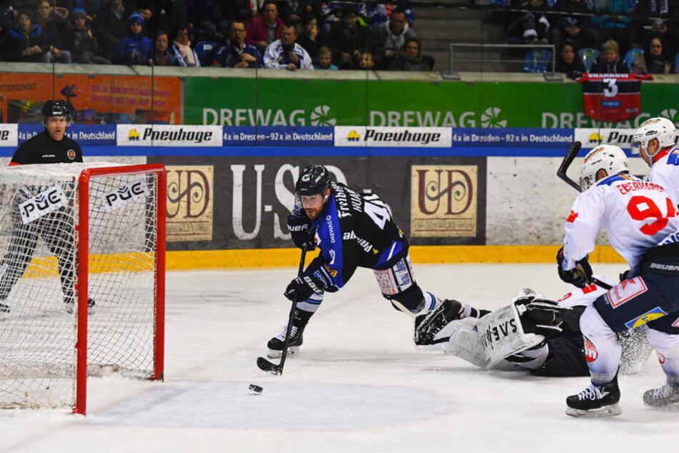 Wahnsinn! Solche Chancen ließ Nick Huard (l.) am Sonntag gegen Heilbronn ungenutzt liegen. Zum Glück gewannen die Eislöwen auch so.