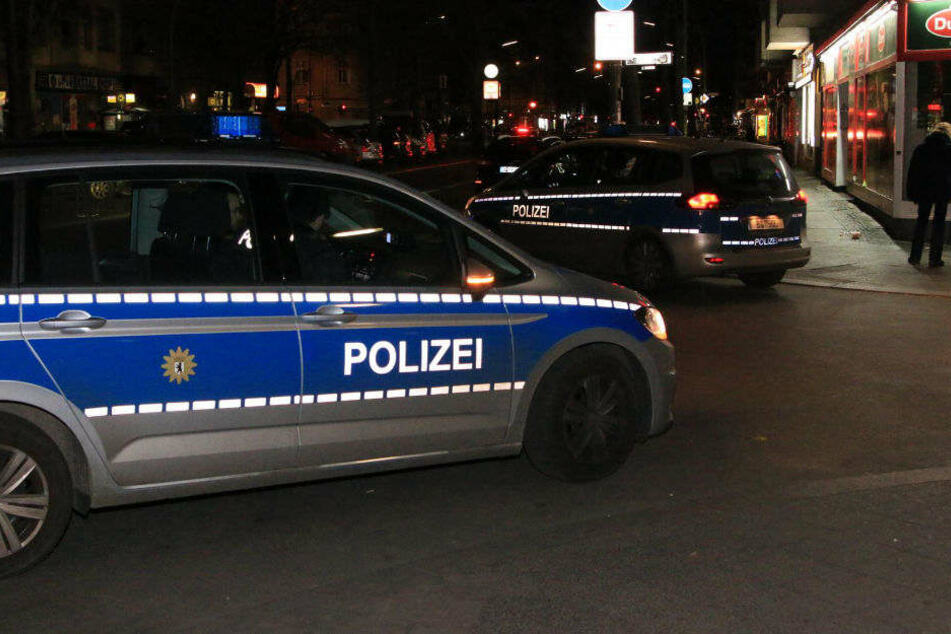 Die Polizei wurde am frühen Samstagmorgen zu einer Messerstecherei gerufen.