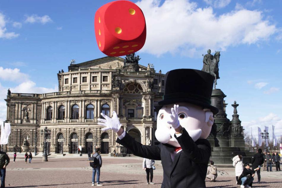 Die Würfel sind gefallen: Ab 2. März gibt es das Dresden-Monopoly zu kaufen.