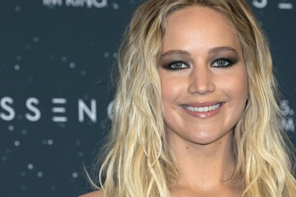 Sie zieht sich aus: Jennifer Lawrence komplett hüllenlos