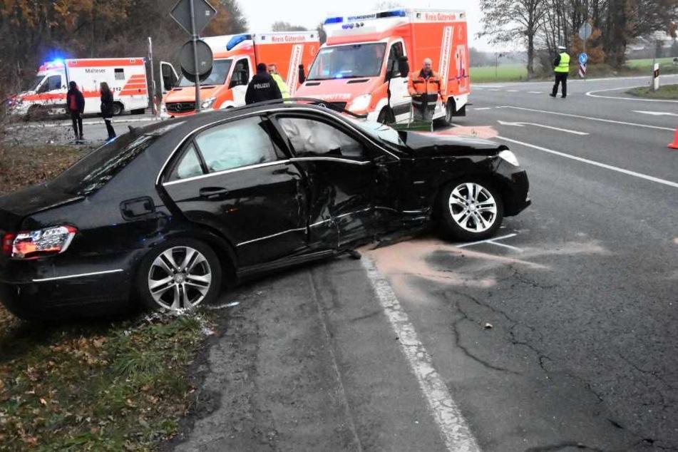 Rettungswagen aus Harsewinkel, Gütersloh und Steinhagen wurden gerufen.