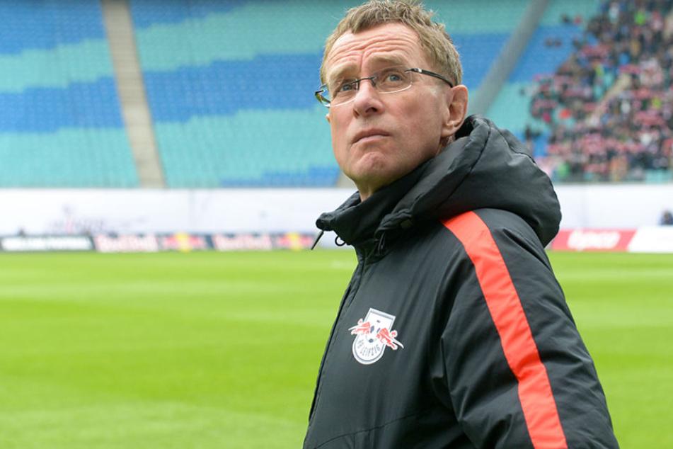 Ralf Rangnick (59) steht vor der schwierigen Aufgabe, einen Nachfolger für Hasenhüttl zu finden.