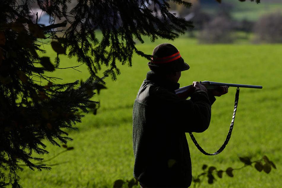 Ein Jäger aus Gütersloh muss wegen Missbrauchs nun mit einer Anklage rechnen. (symbolbild)