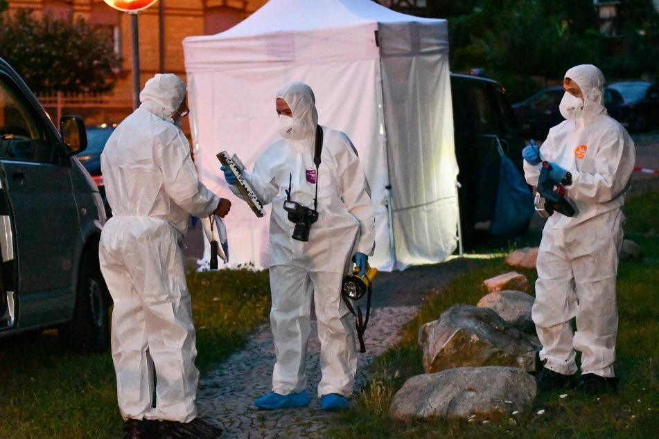 Die Spurensicherung war stundenlang am Tatort in Quedlinburg beschäftigt.