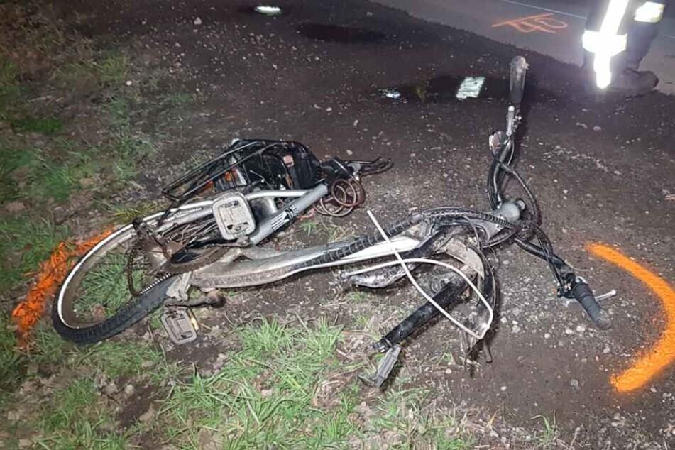 Der Radfahrer starb nach dem schweren Zusammenprall.