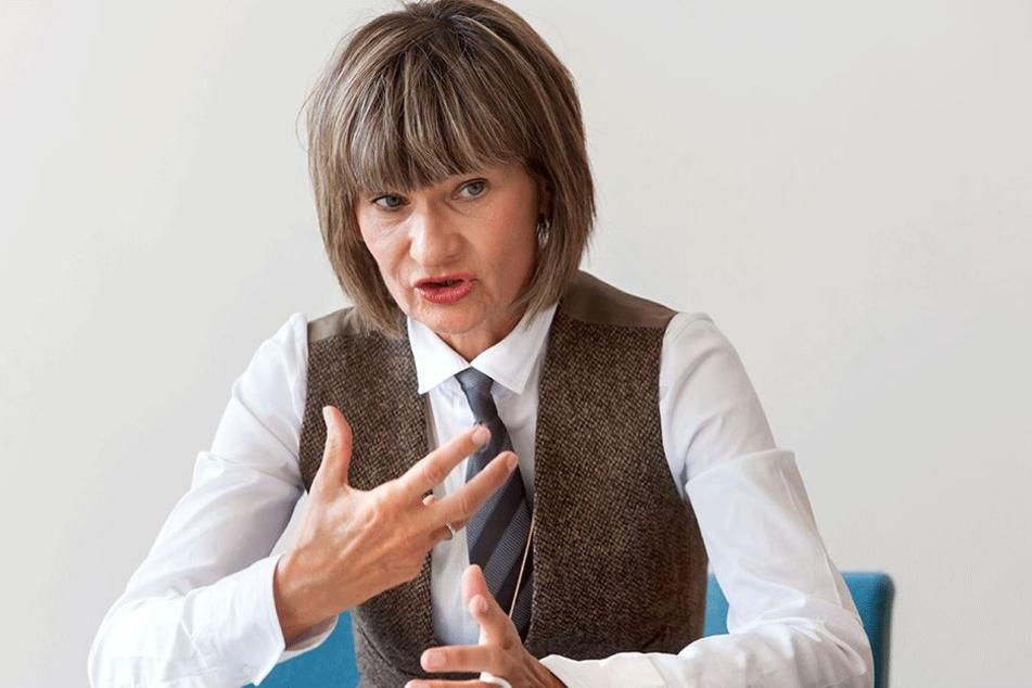 Neue Ampeln sind ihr egal, sie will endlich einen Fernbahnanschluss für  Chemnitz: OB Barbara Ludwig (55, SPD).