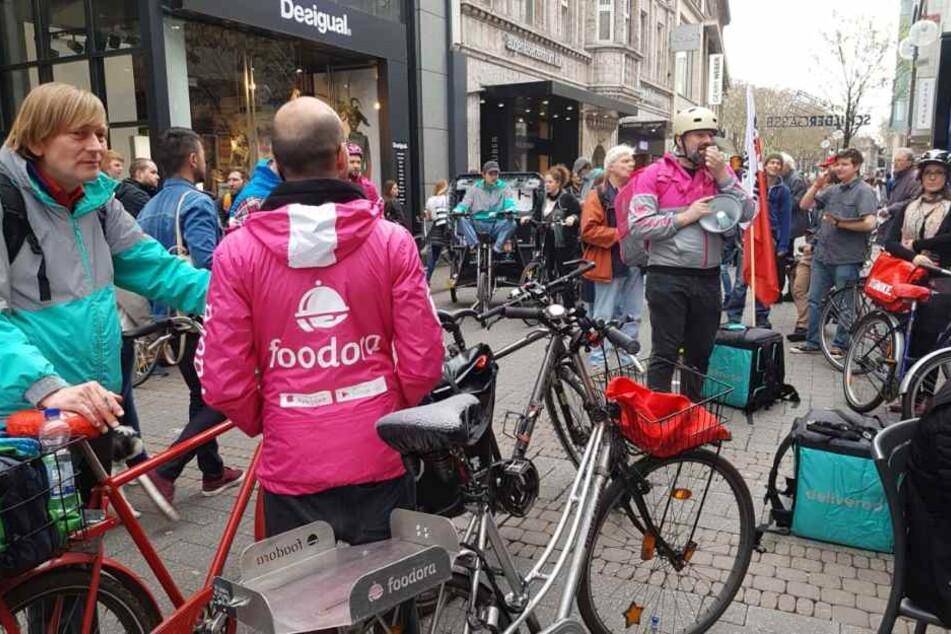 Protest gegen den Lieferdienst Deliveroo in Köln. Auch in anderen deutschen Städten wurde protestiert.