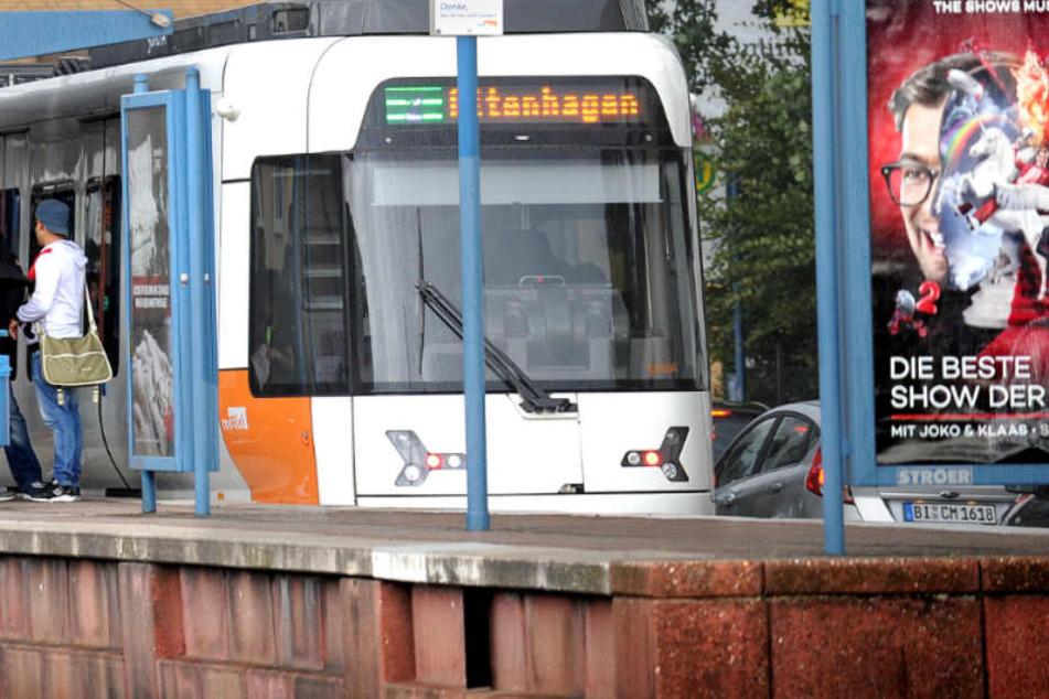 Die moBiel-Straßenbahnen stehen am Dienstag komplett. Auch die Buslinien sind betroffen.