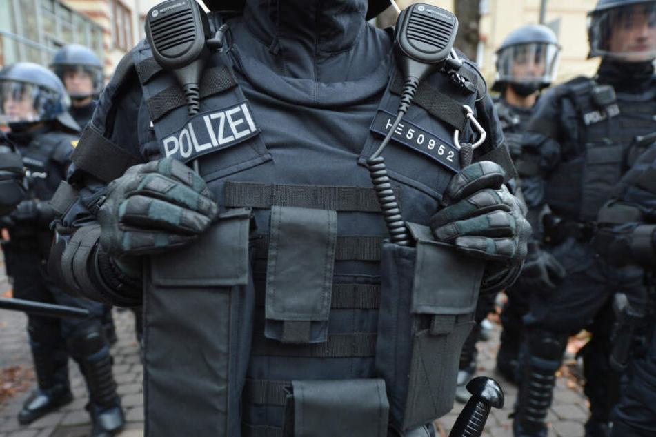 Etwa 70 Beamte werden am heutigen Donnerstag gefährliche Einsätze proben. (Symbolbild)