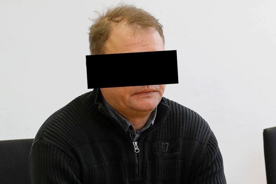 Nikolai K. (49) verließ gestern das Landgericht als verurteilter  Wasserdieb.