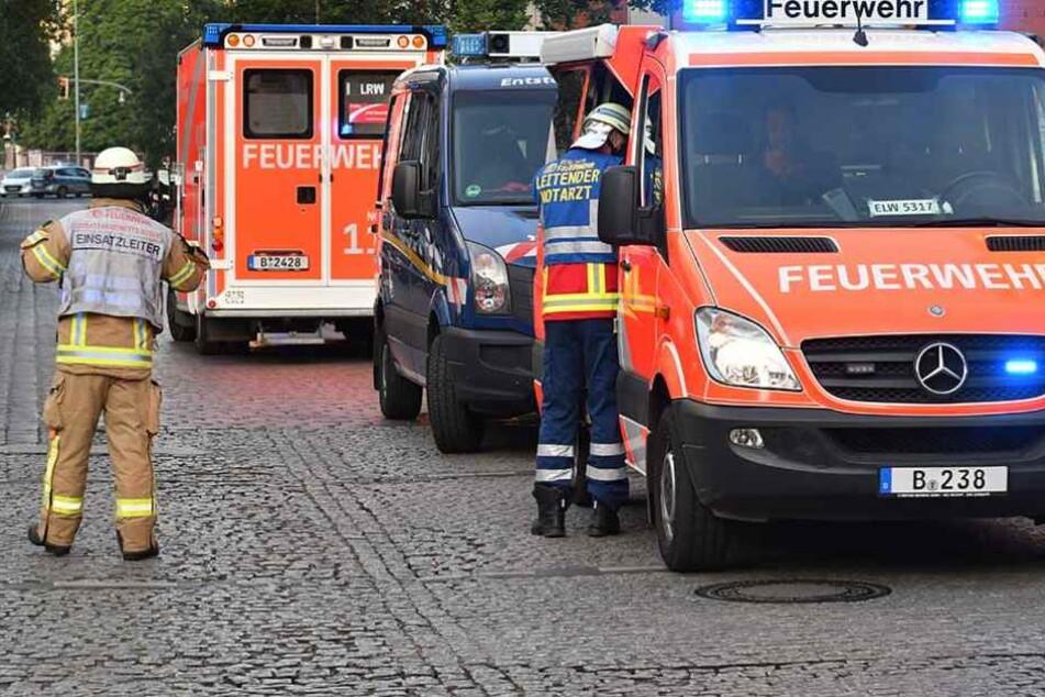 Die Feuerwehr konnte den Brand löschen, das Auto war aber nicht zu retten (Symbolfoto).